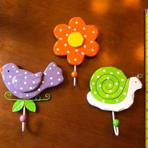 Set of 3 wall hooks bird, flower, snail🌼